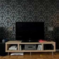 部屋の雰囲気が決まる、リビングの壁紙の選び方:目指すリビングをイメージして、頭の中で壁紙を貼れ!
