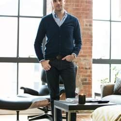 トップス別 20-30代男性のための「ジーンズのサイズの選び方」:オフィスカジュアルかモードか?