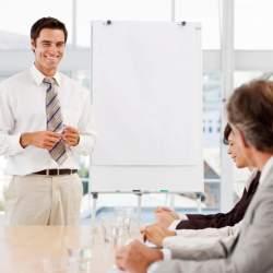 できるビジネスマンに共通する「トーク術」 合言葉は「ヒナグホマ」?:『「しゃべる」技術』