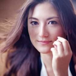 """「100年に1人」の""""天使の歌声""""を持つソプラノ歌手・田中彩子:美しきクラシック界の歌姫に迫る。"""