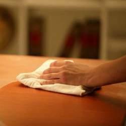 今のやり方本当にあっている? テーブルの除菌をなめてはいけない!