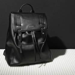 スタイリッシュで機能的な「ディーセルのメンズバッグ」:5つのタイプ別人気バッグ