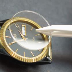 お気に入りの腕時計のガラス、傷ついてない? 腕時計のガラス交換の基礎知識