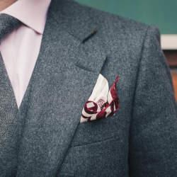 """シチュエーション別ハンカチ(ポケットチーフ)の折り方:""""結婚式""""と""""ビジネス""""では折り方が違う!"""