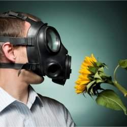 花粉症対策メガネを選ぶときの四つのポイントとは?