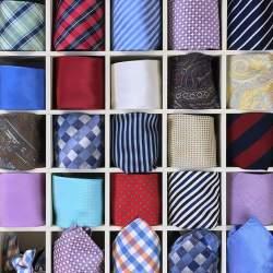 正しく収納しよう! ネクタイの保管方法を紹介