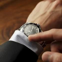 """腕時計はビジネスマンにとって""""商売道具""""である! だからこそ腕時計にはとことんこだわりたい。"""