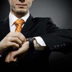ビジネス向けの腕時計!大きさや色の選び方は?