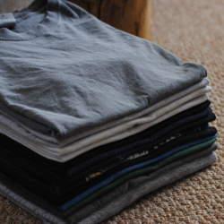 誰にでもできるTシャツ収納術! 素早い折りたたみ方と収納のポイントを解説