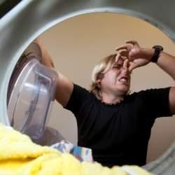 原因によって違う! 洗濯乾燥機の臭いの対策方法!