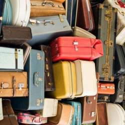 スーツケースを郵送? 空港宅配サービスとは?