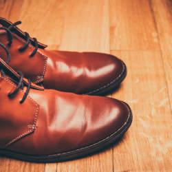 """あなたの""""革靴""""から起こる「スメハラ」:中敷きを交換することから始める「足のニオイ」防止策"""