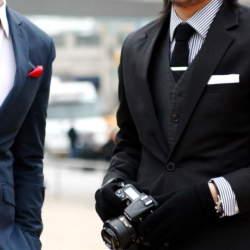 """「本当の服好き」が選ぶシャツ、それが""""ナポリシャツ"""":大きく高い襟で上品なスタイルを実現せよ。"""