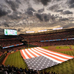 """メジャーリーグは、日本のプロ野球の4倍稼ぐ。""""チームではなくリーグで稼ぐ""""MLBのビジネス戦略"""