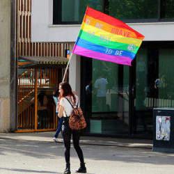 LGBT人口は、左利き人口とほぼ同じ。:一橋大生の自殺からわかるLGBTが「生きづらい」世の中