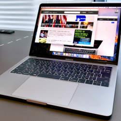 """【動画】新MacBook Proの挑戦:""""Touch Bar""""の使い心地を徹底レビュー"""