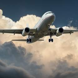 ブラジルサッカーチームを乗せた飛行機が墜落:0.0009%と言われる飛行機事故は何故起きたのか?