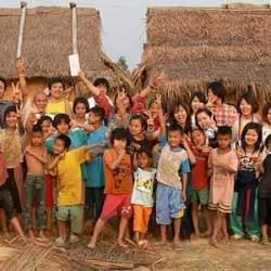 タイで最も愛された王、プミポン国王に学ぶ「行動力で心を掴む」リーダー術!