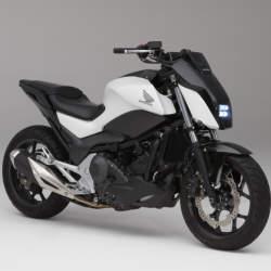 【動画】ホンダがASIMOの技術で自立するバイクやAI搭載の自動運転車をCESで発表!
