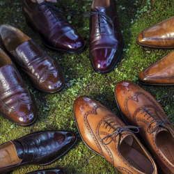 職人技で「靴磨き」は今やリッチな体験に:靴磨きに特化した専門店4選