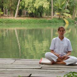 仕事効率UPの秘訣!Google、スティーブ・ジョブズが実践していた『ビジネス瞑想』の極意とは?