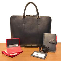 牛革専門店「Business Leather Factory」の定番アイテムで新生活の準備を