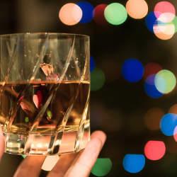 【入門編】華やかでスモーキーな奥深いスコッチウイスキーの世界へ