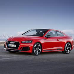 アウディGT新モデル「RS 5 クーペ」は新開発ツインターボエンジンを搭載し、力強い顔つきに!