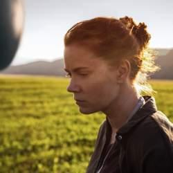 異星人が人類に伝えようとする「メッセージ」とは? SF映画史に新たな足跡を刻む傑作、登場!!