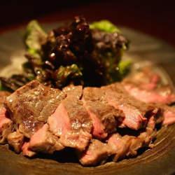 """調理器具「BONIQ」でスーパーの格安肉が""""理想の肉""""に生まれ変わる?"""