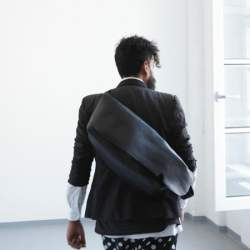 ジャパンメイドの品質とデザイン。ビジネススタイルにも馴染むUni&co.のメッセンジャーバッグ
