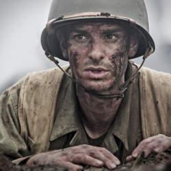 第2次大戦の沖縄戦線でモルヒネと点滴のみを武器に戦場を駆け抜けた米軍兵士がいた?