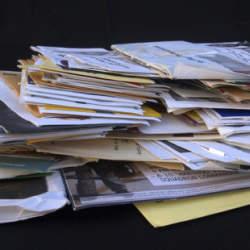 【Houzz】もう溜めこまない! 郵便物を整理する賢い管理方法