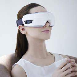 眼精疲労を改善!目元専用マッサージ機「3D EYE MAGIC」で就寝前に至福のひと時を