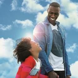 アフリカ移民2世から世界的スターへ!オマール・シー主演映画「あしたは最高のはじまり」