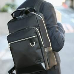 長い通勤時間を快適に過ごせる、スーツ相性抜群なビジネスリュック特集