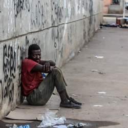 【書き起こし】「貧困は金銭の欠如で必要なのはベーシックインカムの保障」ルトガー・ブレグマンの提唱