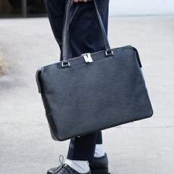 オフィスにトートバッグはあり派?なし派?A4サイズがラクラク入るビジネストートバッグ特集