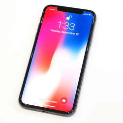 石野純也のモバイル活用術:iPhone X予約開始!自分に合った各社の新料金プラン解説