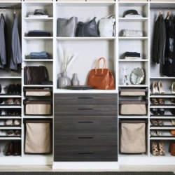 【Houzz】デキる男への第一歩、新生活に役立つスーツの揃え方と収納の方法