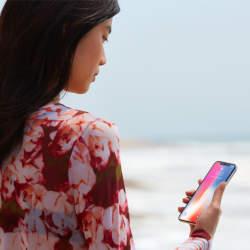 西田宗千佳のトレンドノート:iPhone Xなど顔認証でスマホのセキュリティは向上しない?