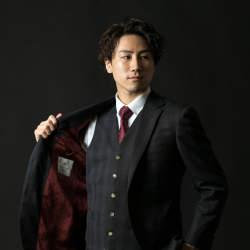 新卒営業マンが3万円からオーダーメイドスーツがつくれる「スマートテーラー」でビシっと大変身!