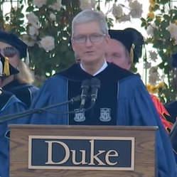 スティーブ・ジョブスの後継者ティム・クック「現状を否定し勇猛果敢に挑むこと」デューク大学卒業式スピーチ