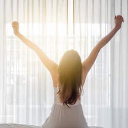 朝目覚めたとき約8割の人が睡眠不足!? もっとも睡眠への満足度が低いのは30代