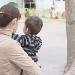 オンライン育児相談サービス「育児発達相談窓口」を経済産業省が導入、福利厚生制度として年内30社への導入を目指す