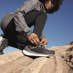 仕事脳をオフにして自然のエネルギーをチャージせよ。adidas TERREX初のBOOST搭載ハイキングブーツが発売