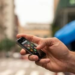 世界初!カードサイズの小さな小さなSIMフリースマートフォンが+Styleから登場。Androidの「Palm Phone」、4月24日より発売開始