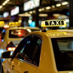 タクシー×デジタル広告で「エグゼクティブ層への認知・ブランディング」を支援、『タクシー車内サイネージ特化型動画広告制作サービス』