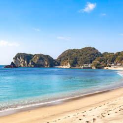 美しすぎる海辺でリモートワーク!日帰り旅行気分で仕事ができる「コワーキングバス」サービスが9月に開始