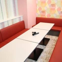 カラオケが月額3980円で個人オフィスに?リロワークス水道橋と「歌広場」の定額利用サービスが開始